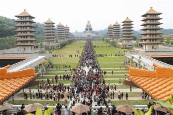 佛陀紀念館是熱門景點