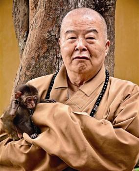 大師與小猴子 圖/佛光山提供