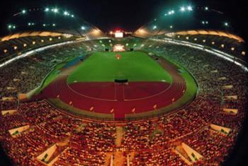 一九九六年大師於全亞洲最大的吉隆坡莎亞南國家體育場露天弘法,共八萬人參加,寫下馬來西亞佛教史上弘法之創舉。