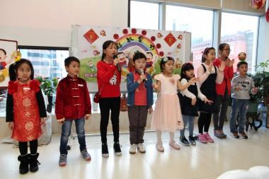 兒童班代表演唱「佛祖保祐您」。人間記者黄慧莊拍攝