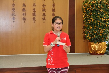 黃倩文表示老師多元化和創意的教導,讓她學到很多佛學知識和佛門禮儀。