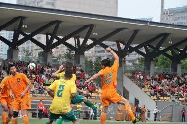 足球是圓的,勝輸就要看技術和合作性,雙方都有不俗的表現。